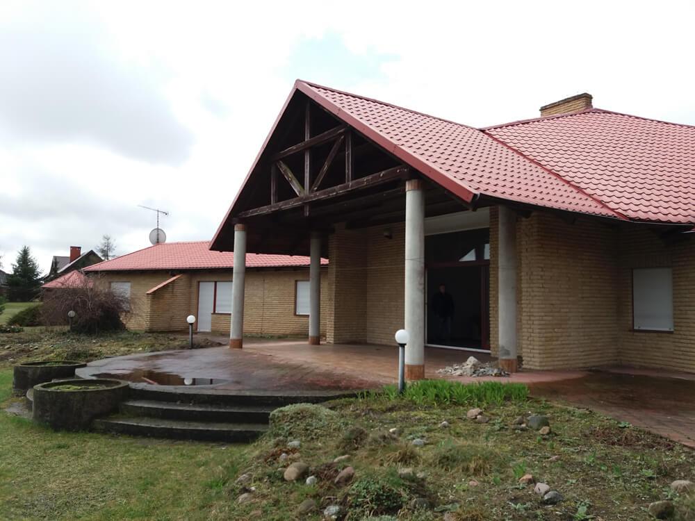 Rezydencja Mariusz Treliński taras bez zabudowy z okien aluminiowych